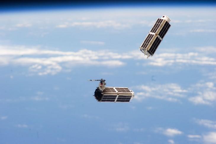 L'ISS lance ~35 pico sat LituanicaSat-1
