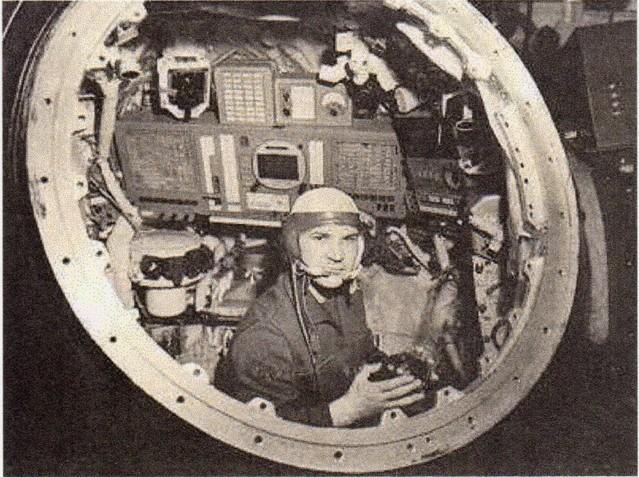 Koubassov dans un cockpit de Zond habitable ? Koubassov